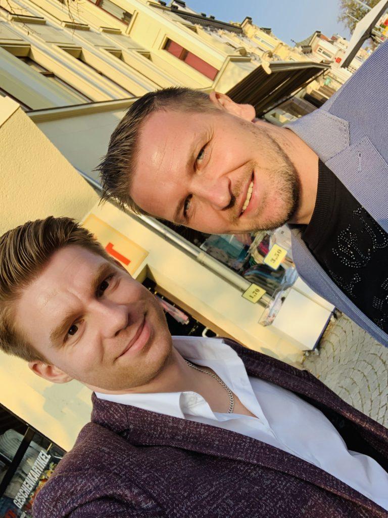Co-Investor Thomas Duscha vor dem gemeinsamen Immobilien Co-Investment in Bernburg