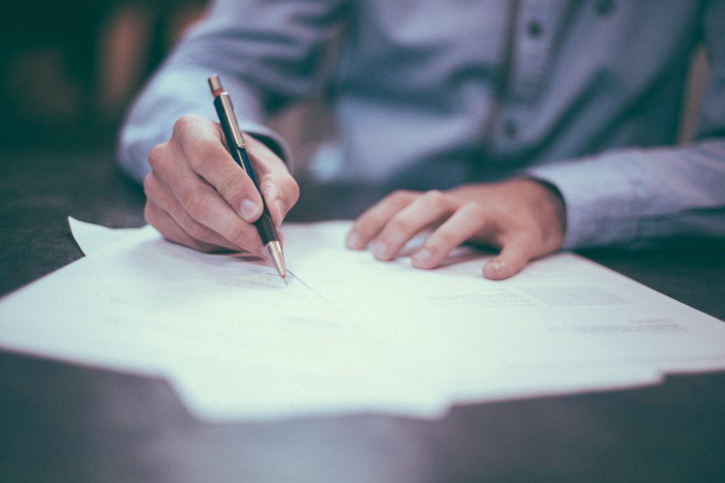 Unterzeichnung Mietvertrag Gewerbeimmobilie