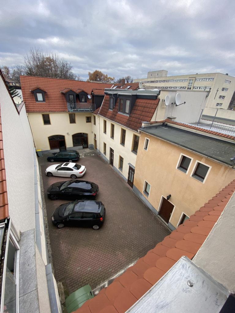 Ausblick vom Dachgeschoss einer Cashflow-Immobilie mit Entwicklungspotential